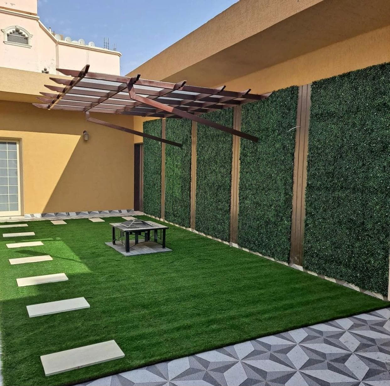 عشب جدارى بينبع